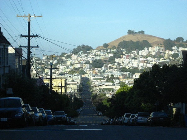 By Timothy Vollmer from ann arbor, USA - noe valley looking to mission/bernal heights, CC BY 2.0, https://commons.wikimedia.org/w/index.php?curid=3334964