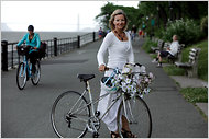 NYTimes.com | Number of Female Cyclists Lags in New York, With Safety as a Concern